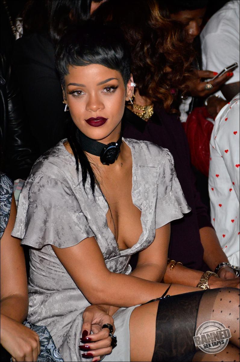 Rihanna naked porn pics