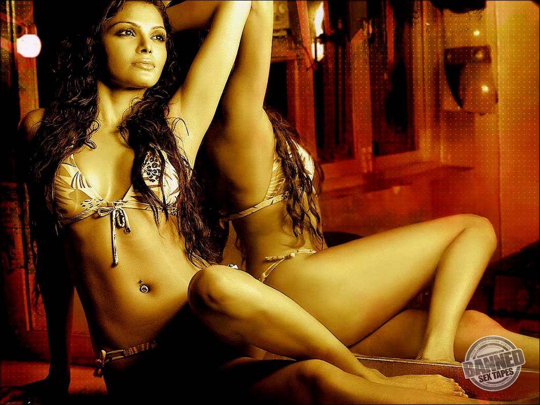 Nude video of sherlyn chopra