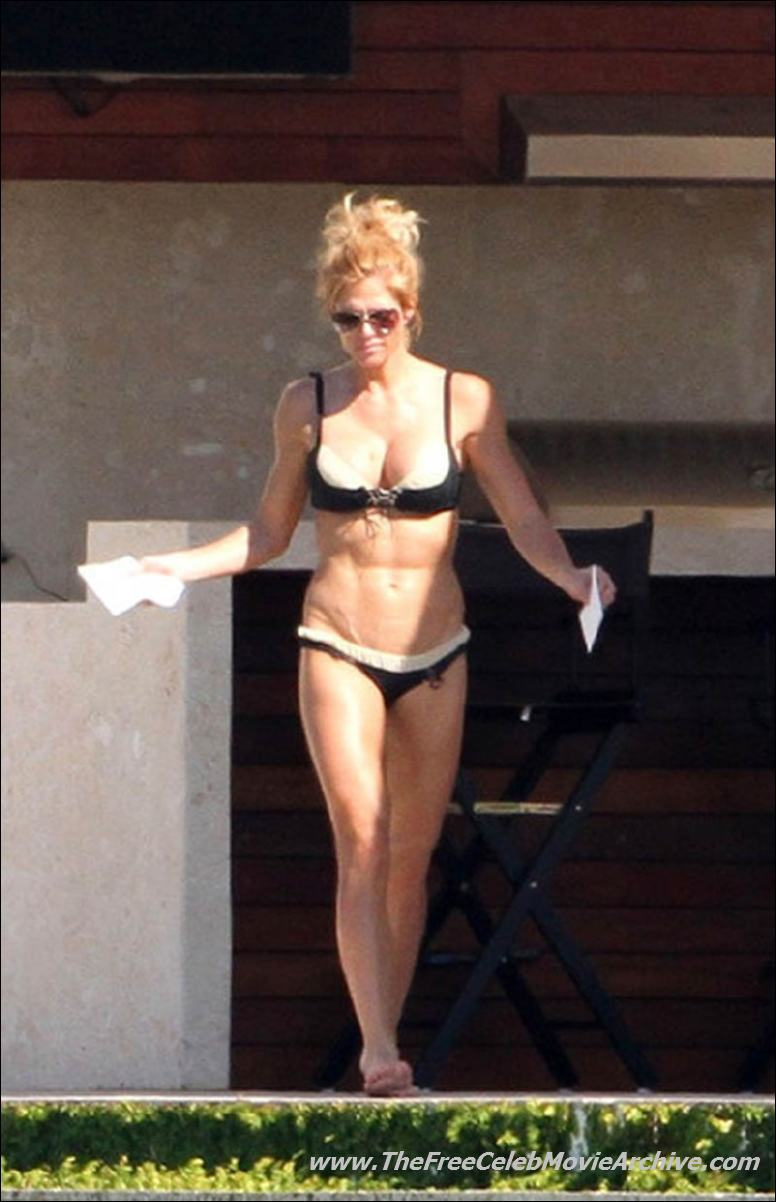 Torrie Wilson naked celebrities free movies and pictures!
