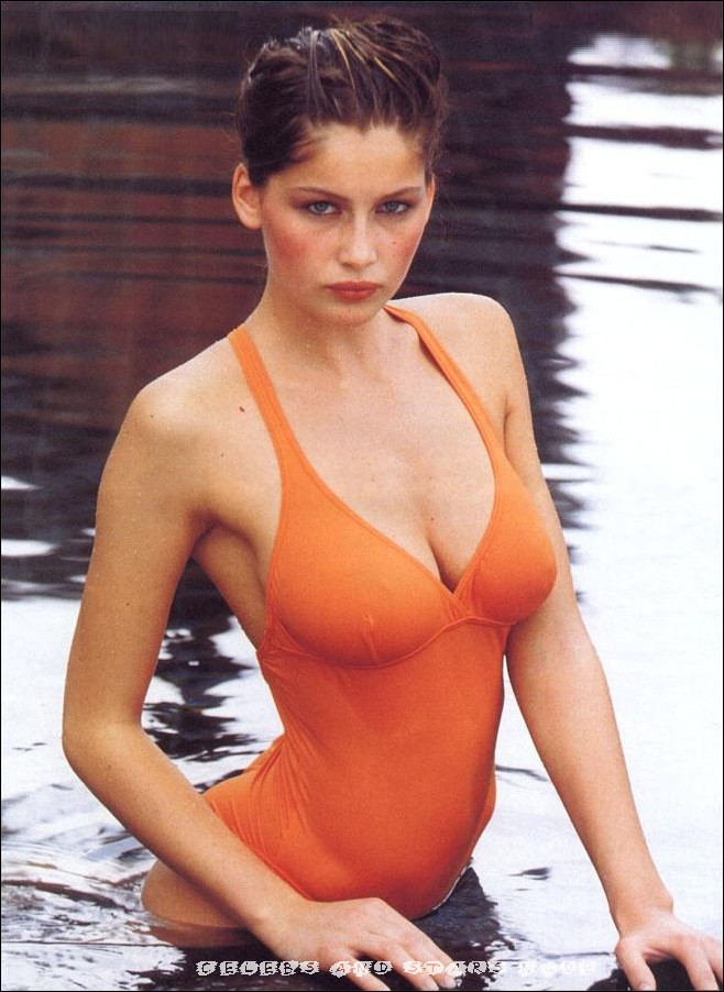The archive is literally huge, there are tons of movies, short scenes ...: www.celebsandstarsnude.com/nude/laetitia-casta/laetitia-n520.html