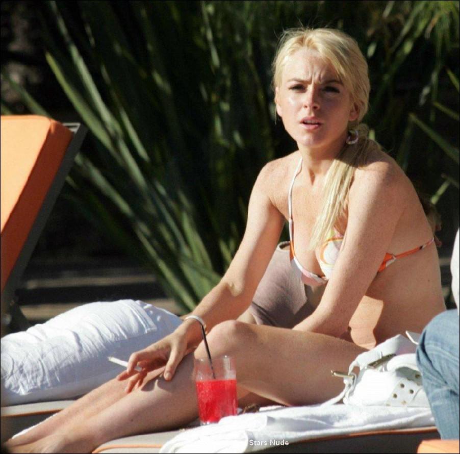 lindsay lohan bikini shots