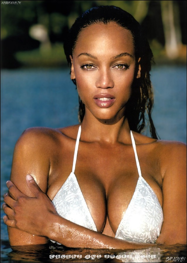 Tyra Banks In Sey Lingerie Posing Pictures Gallery