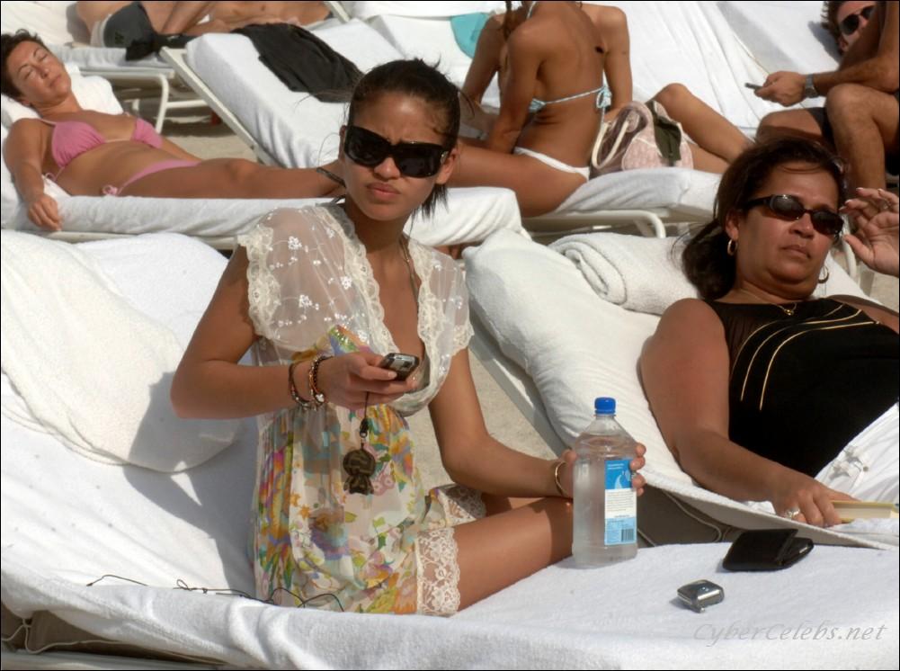 Salt spring women in the nude