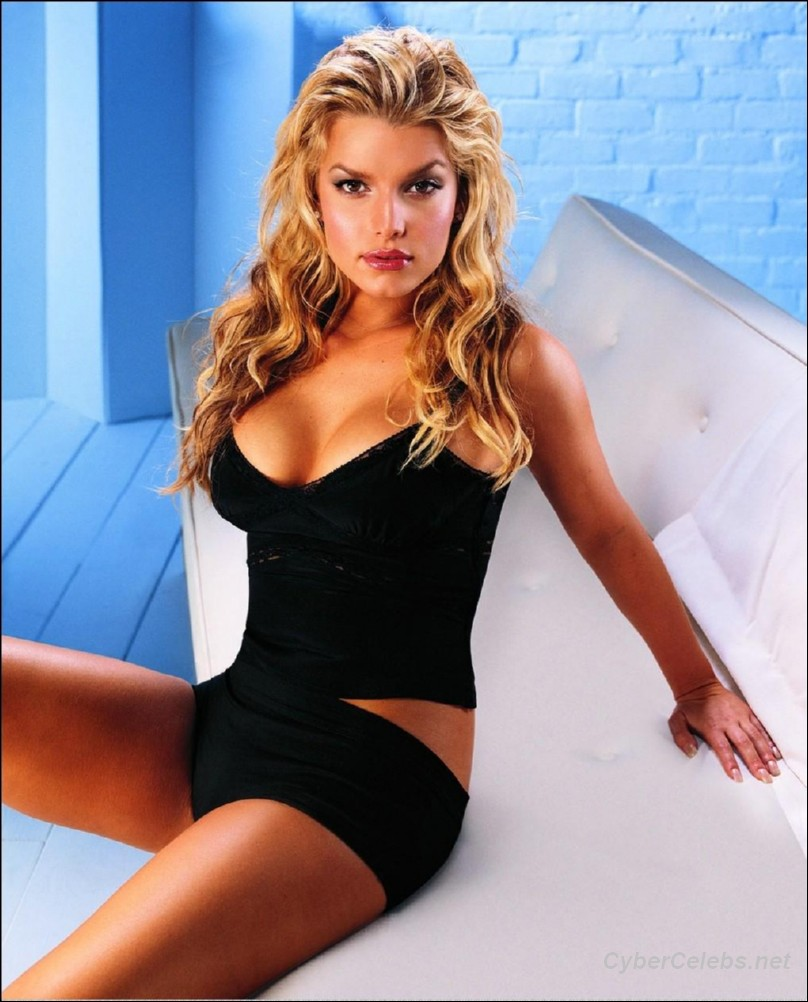 Jessica Simpson naked celebrities free movies and pictures!
