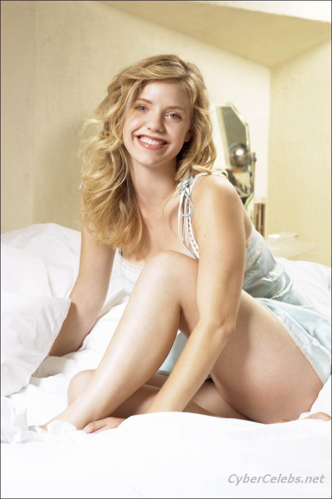 Nude kelli garner Kelli Garner