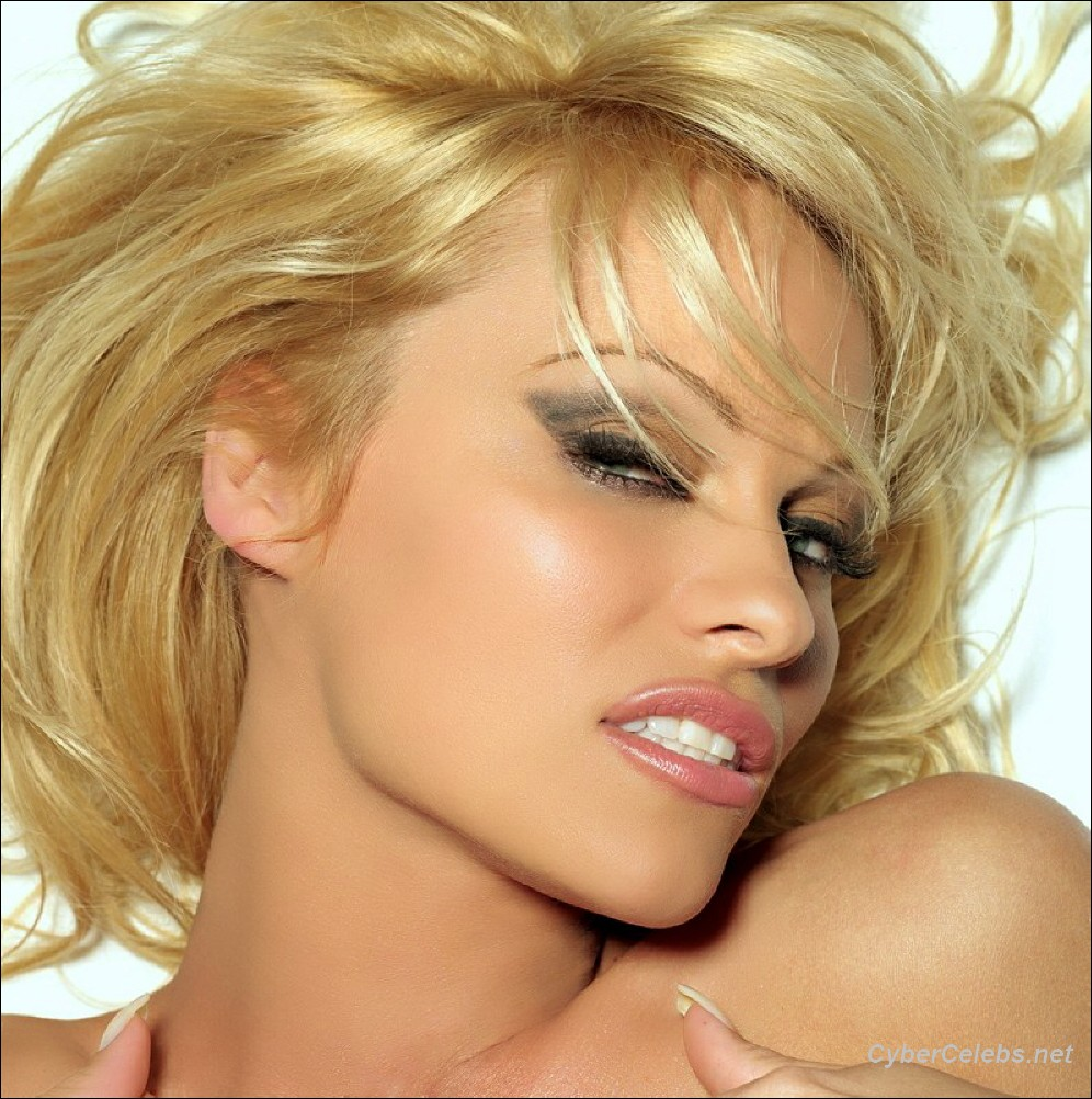 Pamela Anderson naked celebrities free movies and pictures!